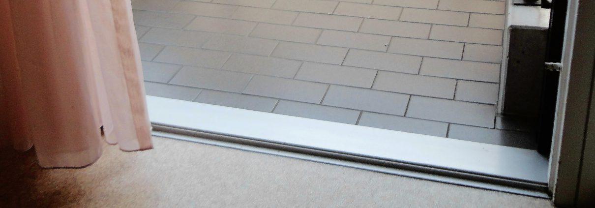 Balkon-Schiebetüre ohne Schwelle